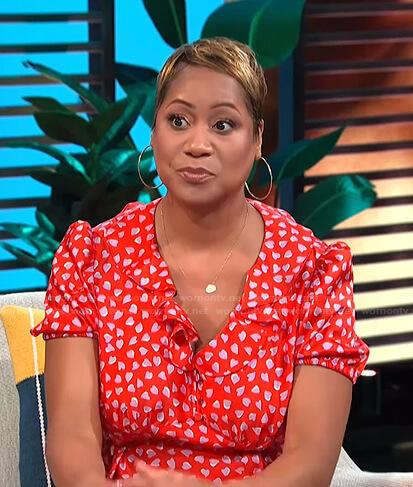 Monique Kelley's red heart print dress on E! News Daily Pop