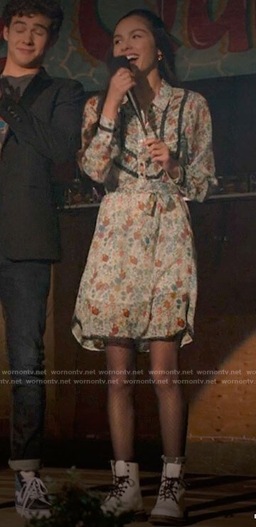Nini's floral shirtdress and white combat boots on High School Musical The Musical The Series