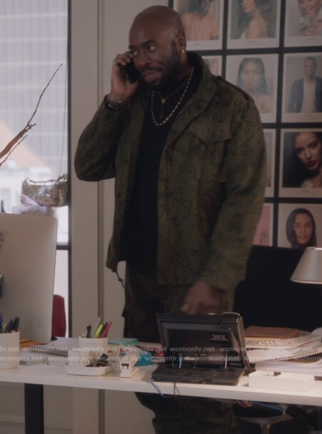 Oliver's green constellation print jacket on The Bold Type