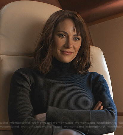 Quinn's colorblock turtleneck sweater on Younger