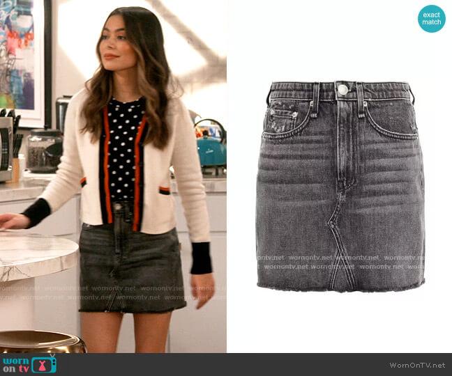Rag & Bone Distressed denim mini skirt worn by Carly Shay (Miranda Cosgrove) on iCarly