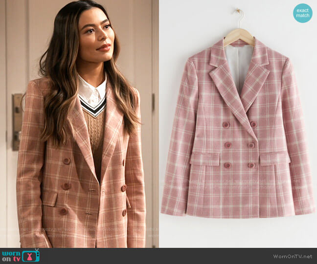& Other Stories Relaxed Double Breasted Wool Blend Blazer worn by Carly Shay (Miranda Cosgrove) on iCarly