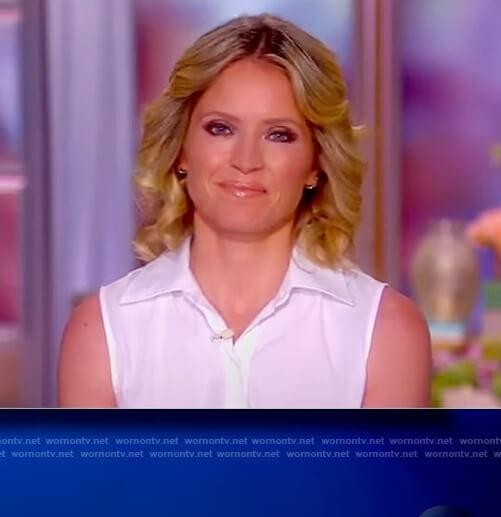Sara's white sleeveless shirtdress on The View
