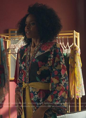 Sasha's black floral robe on Sex/Life