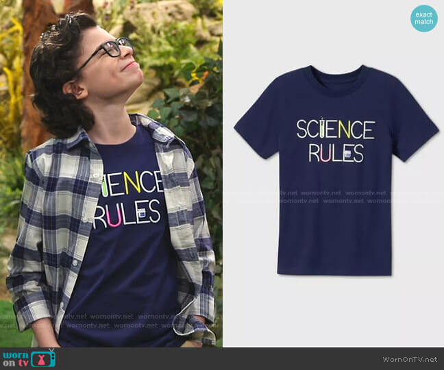 Science Rules Graphic T-Shirt by Cat & Jack worn by Matteo Silva (Raphael Alejandro) on Bunkd