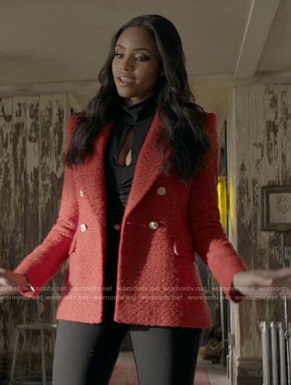 Sophie's red tweed blazer and black top on Batwoman
