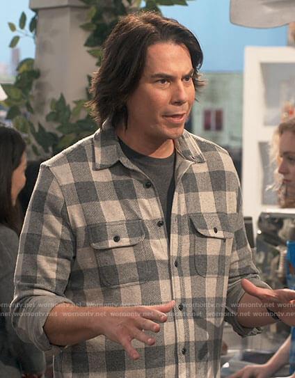 Spencer's grey buffalo check shirt on iCarly