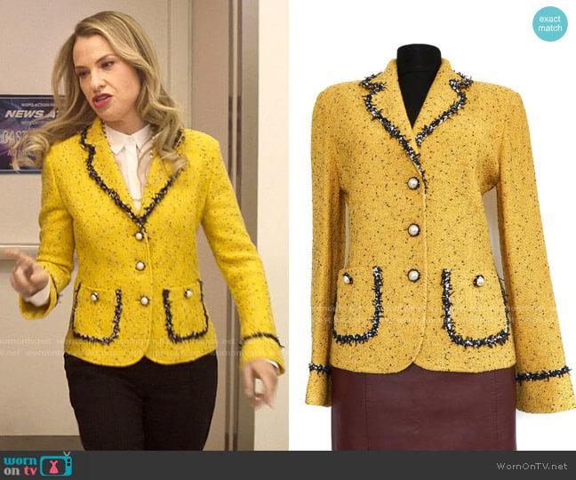 St John Collection Yellow Tweed Jacket worn by Georgina Meriwether (Leslie Grossman) on Love Victor