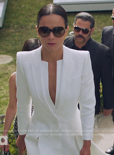 Teressa's white coat dress on Queen of the South