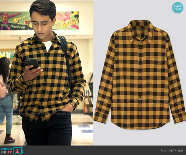 Uniqlo Flannel Checked Long Sleeve Shirt worn by Victor Salazar (Michael Cimino) on Love Victor