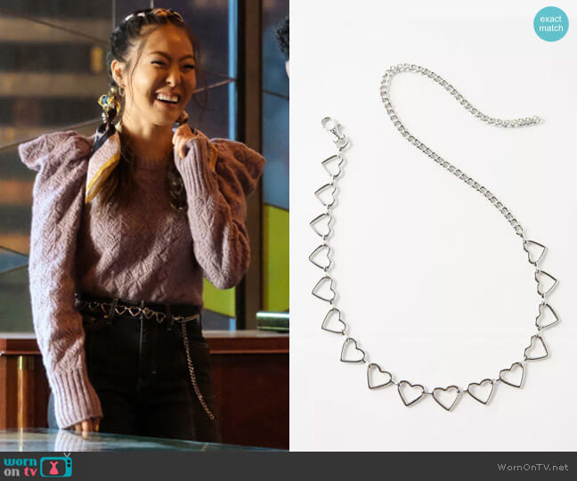 Urban Outfitters Heart Chain Belt worn by Mary Hamilton (Nicole Kang) on Batwoman