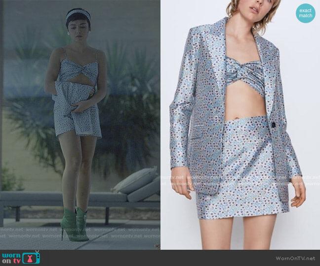Blue Floral Top and Skirt by Zara worn by Ari Blanco (Carla Diaz) on Elite