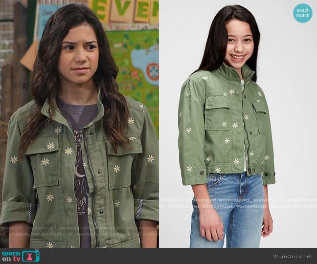 Kids Utility Jacket by Gap worn by Gwen (Scarlett Estevez) on Bunkd