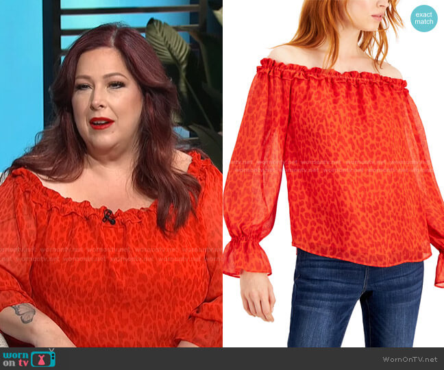 Printed Off-The-Shoulder Top by INC International Concepts worn by Carnie Wilson on E! News Daily Pop
