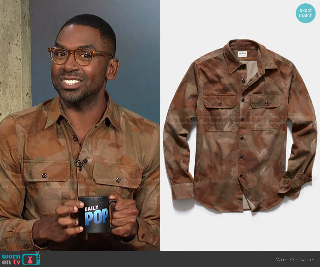 Italian Two Pocket Utility Shirt by Todd Snyder worn by Justin Sylvester  on E! News