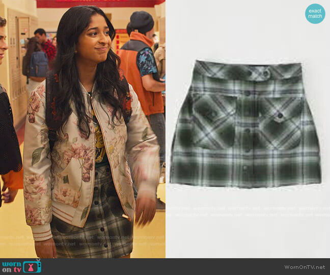 Marco Skirt by Urban Outfitters worn by Devi Vishwakumar (Maitreyi Ramakrishnan) on Never Have I Ever