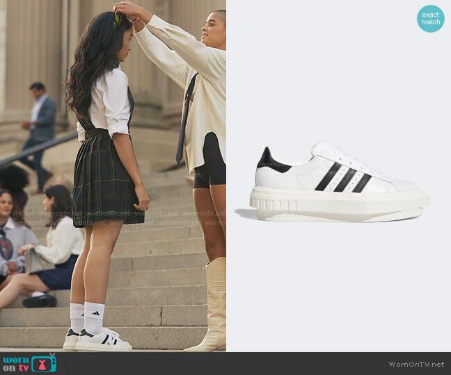 Superstar Leather Platform Sneakers by Adidas x Beyonce worn by Zoya Lott (Whitney Peak) on Gossip Girl