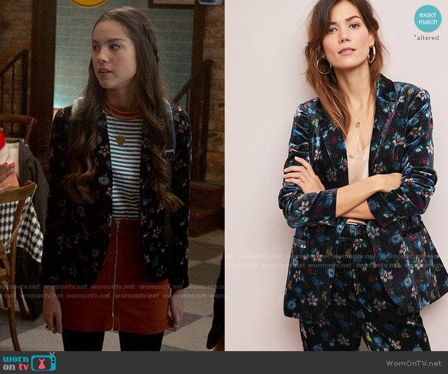 ett:twa at Anthropologie Blooming Velvet Blazer worn by Nini (Olivia Rodrigo) on High School Musical The Musical The Series
