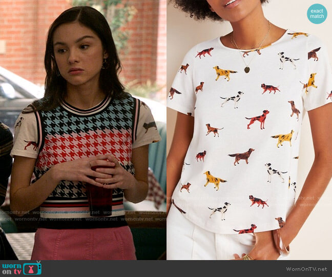 Anthropologie Dog Weekender Tee worn by Nini (Olivia Rodrigo) on High School Musical The Musical The Series