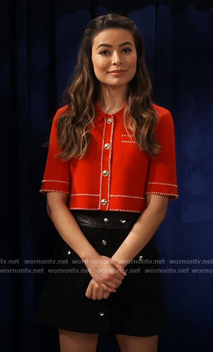Carly's red button front crop top on iCarly