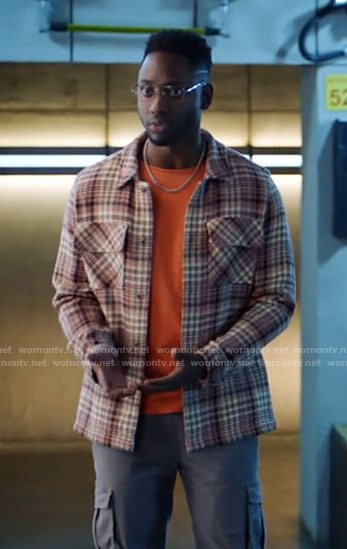 Chester's plaid overshirt on The Flash