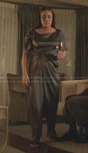 Cristal's grey twisted waist tunic and pants on Dynasty