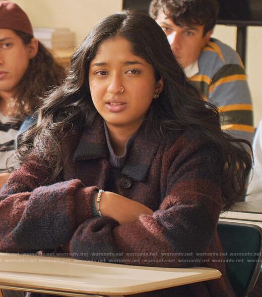 Devi's star print sweatshirt on Never Have I Ever
