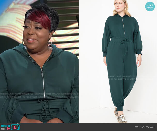 Sweatsuit by Eloquii worn by Loni Love  on E! News
