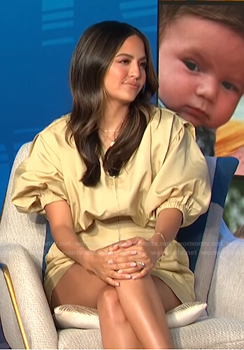 Erin's yellow puff sleeve romper on E! News Daily Pop