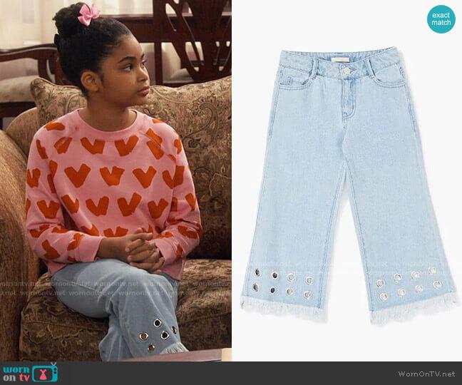 Forever 21 Girls Frayed Grommet Jeans worn by Millicent (Jaidyn Triplett) on iCarly