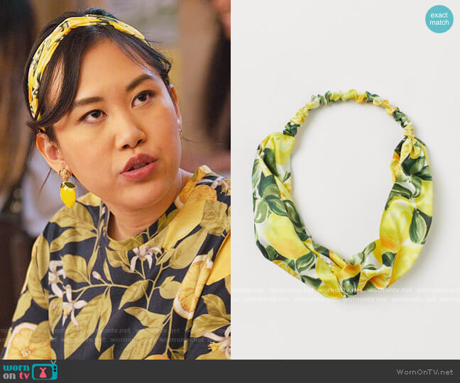 Hairband with Knot Detail by H&M worn by Eleanor Wong (Ramona Young) on Never Have I Ever