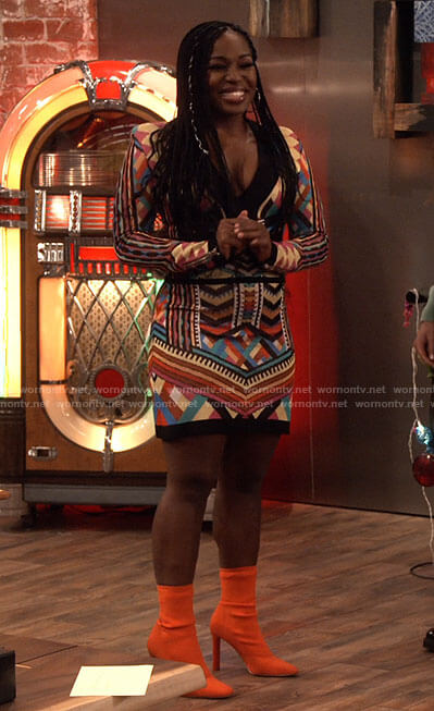 Harper's multicolored long sleeve dress and orange boots on iCarly