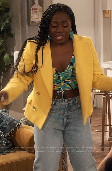 Harper's psychadelic print top and yellow blazer on iCarly