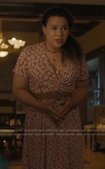 Josefina's daisy print dress on Charmed