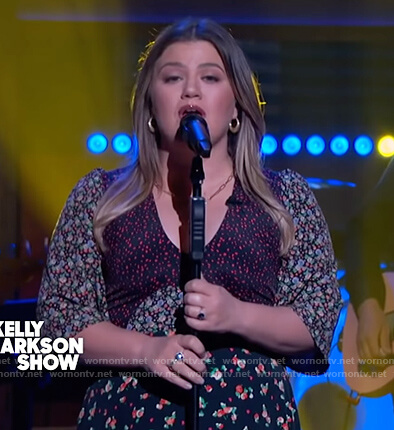 Kelly's floral print scoop neck dress on The Kelly Clarkson Show