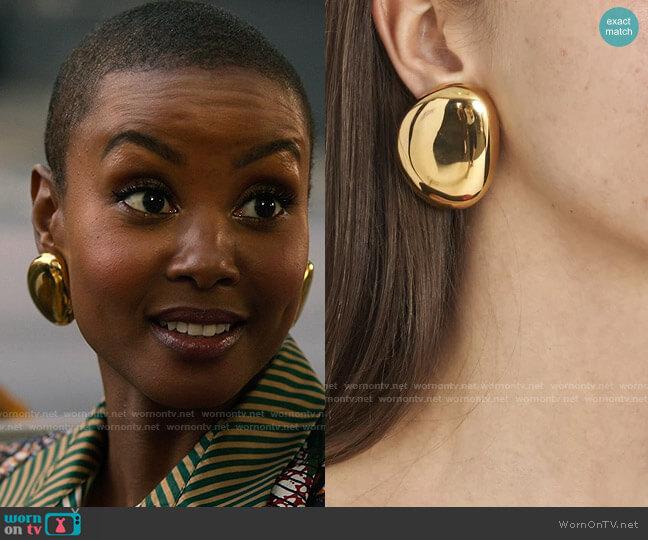 Marni Gold Earrings worn by Ella McFair (Andrea Bordeaux) on Run the World