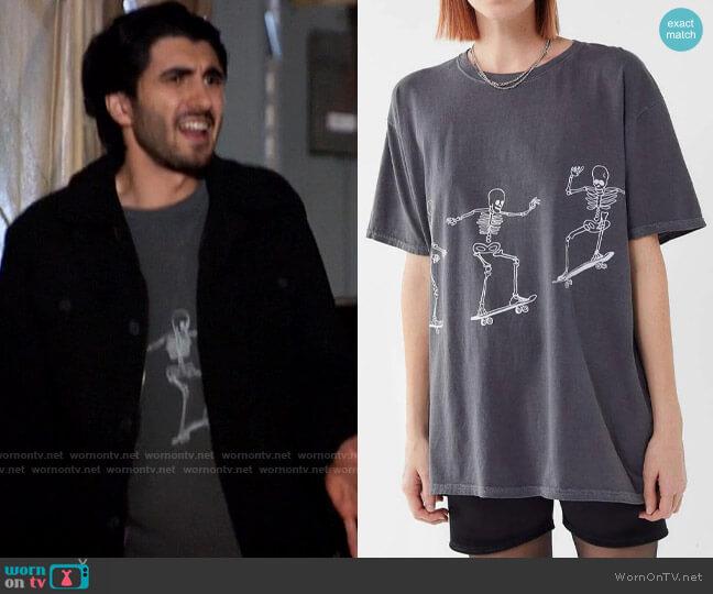 Project Social Skateboard Skeletons T-shirt worn by Behrad Tarazi (Shayan Sobhian) on Legends of Tomorrow