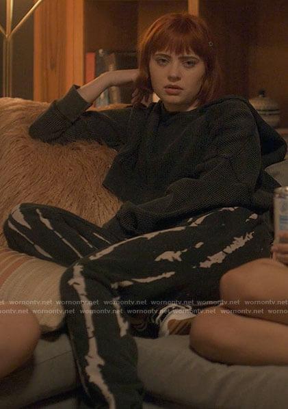 Scarlett's tie dye pants and cropped hoodie on American Horror Stories