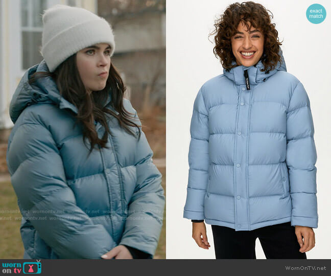 TNA Super Puff Jacket worn by Bella Whitmore (Landry Bender) on The Republic of Sarah