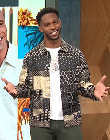 Victor Cruz's printed jacket on E! News Daily Pop