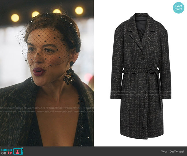 Oversized Belted Herringbone Wool-Felt Coat by Deveaux worn by Julien Calloway (Jordan Alexander) on Gossip Girl