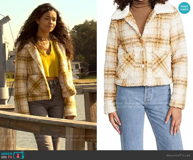 En Saison Plaid Jacket worn by Kiara Carrera (Madison Bailey) on Outer Banks