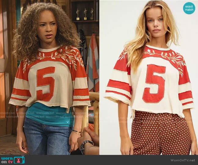 High Five T-Shirt by Free People worn by Ava (Shelby Simmons) on Bunkd