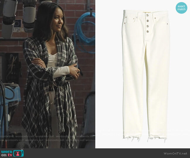The Perfect Vintage Crop Jean in Tile White by Madewell worn by Ysa Penarejo on Stargirl