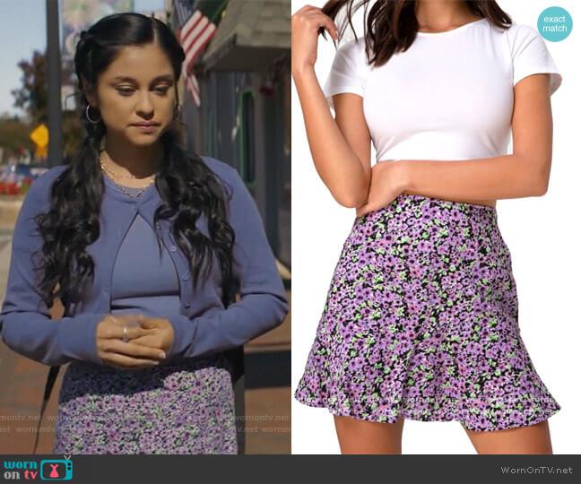 Floral Mini Skirt by Multitrust worn by Yolanda Montez (Yvette Monreal) on Stargirl