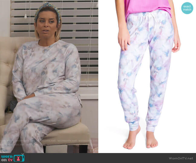 Marble Print Jogger Pants by PJ Salvage worn by Robyn Dixon  on The Real Housewives of Potomac