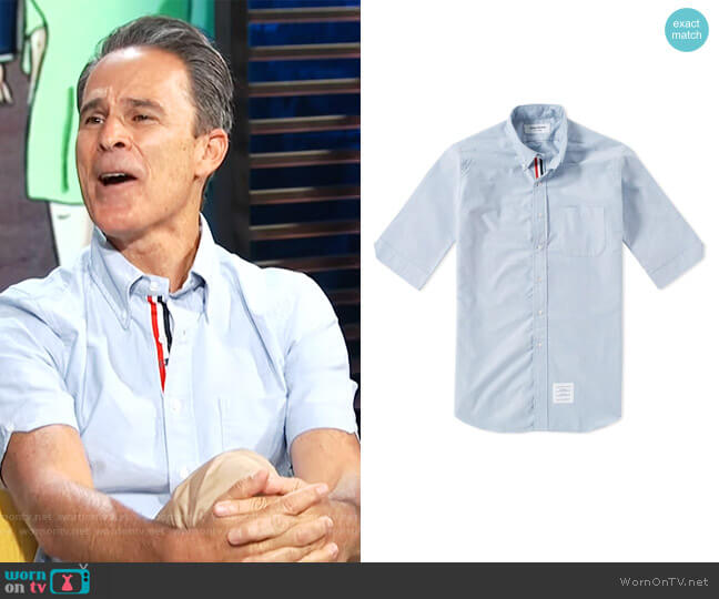 Short Sleeve Classic Grosgrain Placket Oxford Shirt by Thom Browne worn by Gary Janetti on E! News Daily Pop