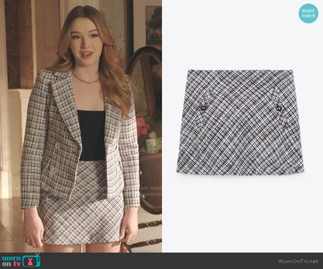 Textured Weave Mini Skirt by Zara worn by Kirby Anders (Maddison Brown) on Dynasty