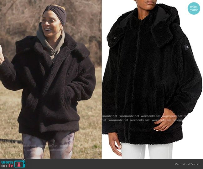 Norte Sherpa Coat by Alo Yoga worn by Robyn Dixon  on The Real Housewives of Potomac