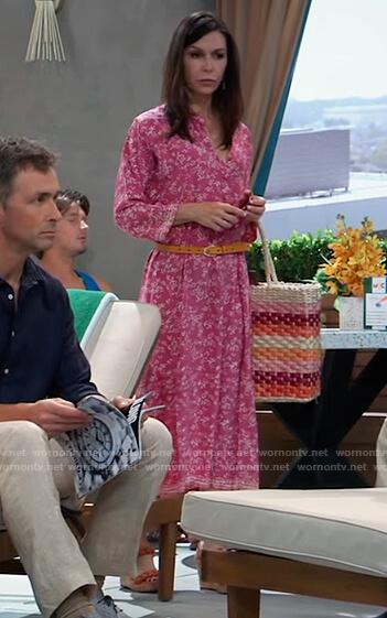 Anna's stripe woven tote and sandals on General Hospital